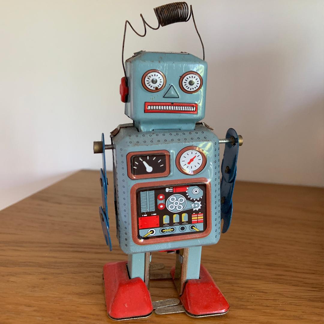 ROBOT DE METAL